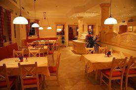 restaurant - homelike parlor